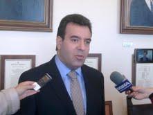 Μάνος Κόνσολας Επίκουρος Καθηγητής Πανεπιστημίου Αιγαίου Βουλευτής της ΝΔ στα Δωδεκάνησα